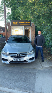 Supreme Taxis Thame Office