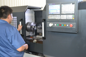 YALAN Seals CNC Operation