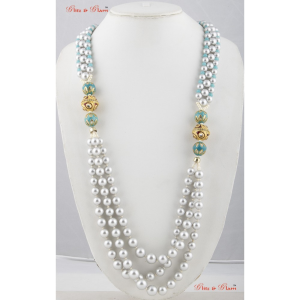 Necklaces with white pearls and turquoise stones