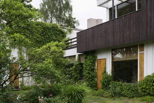 Alvar-aallon-kotitalo-patio-puutarha-aalto-house-garden-riihitie-helsinki-kuvaaja-maija-holma