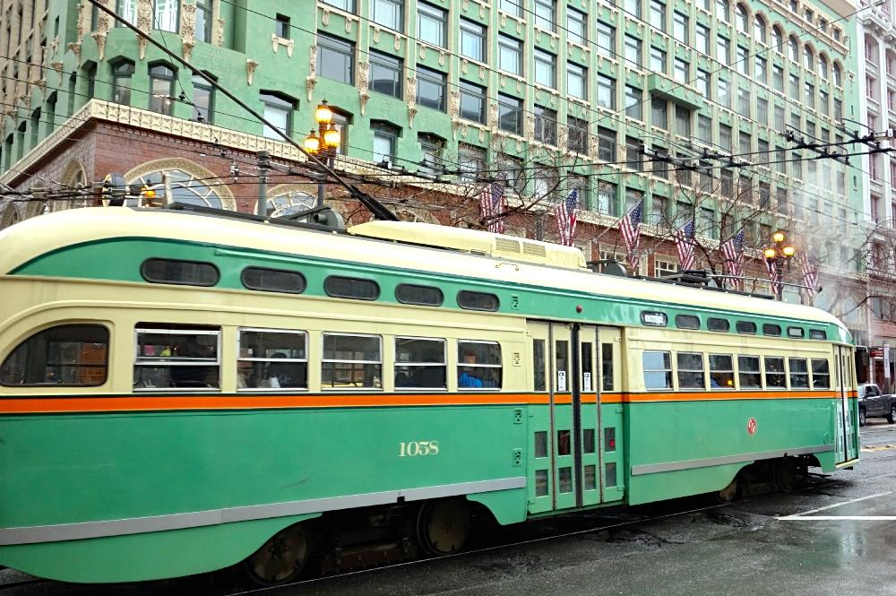 Green F-Line