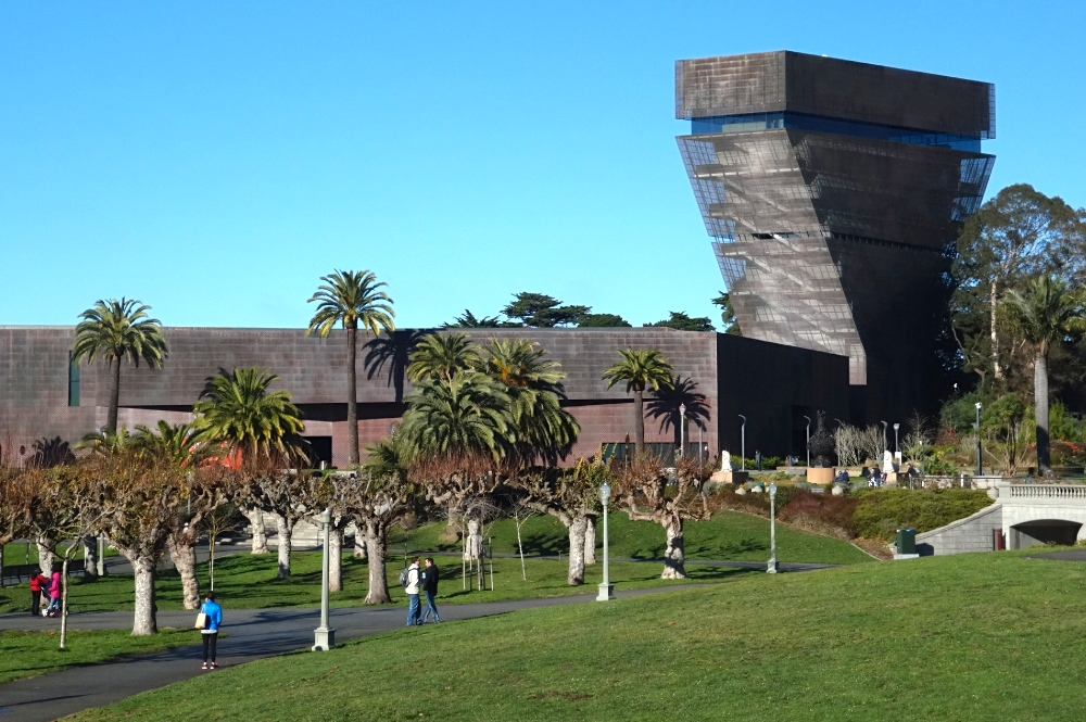 a personal narrative on visiting the de young museum in san francisco This early exposure to the realm of the visual led her to study art at the university of california, los angeles and later san francisco state university (sfsu), where she earned her degrees (ba 1963, ma 1966.