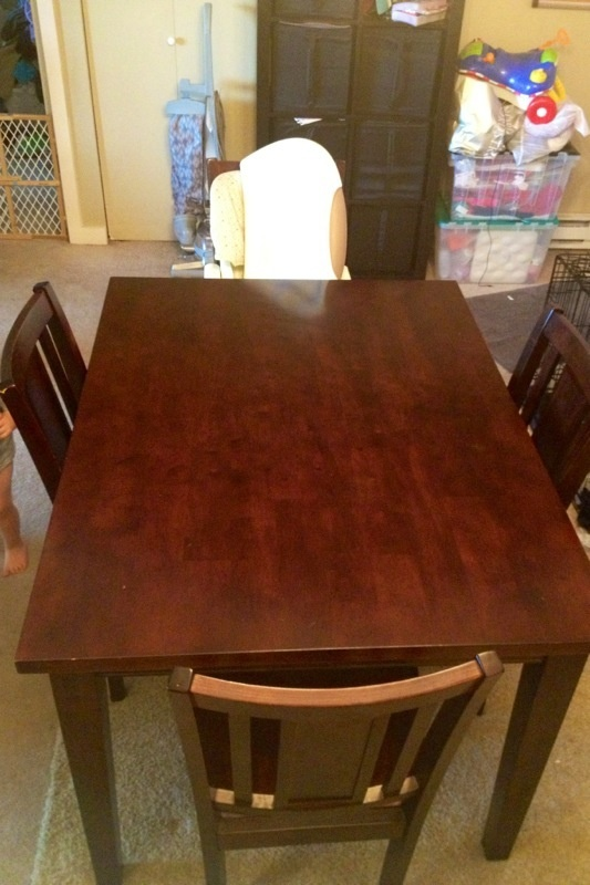 Offerup dining table and 4 chairs furniture in for Furniture in bellevue