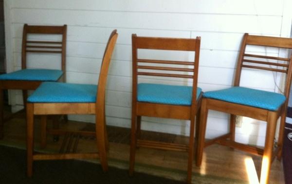 Offerup set of 4 deco regency design vintage dining for Furniture in tacoma