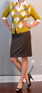 outfit post: green argyle cardigan, brown pencil skirt