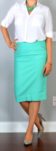 outfit post: aqua pencil skirt, white portofino shirt, grey pointed toe pumps, mint/teal necklace
