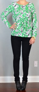 outfit post: green floral print top, black skinny jeans, ankle boots