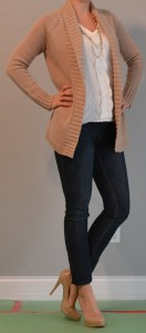 outfit post: skinny jeans, heels, comfy tan cardigan