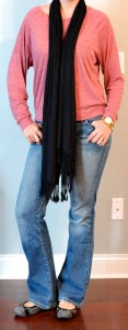 outfit post: pink slouchy sweater, bootcut jeans, black scarf