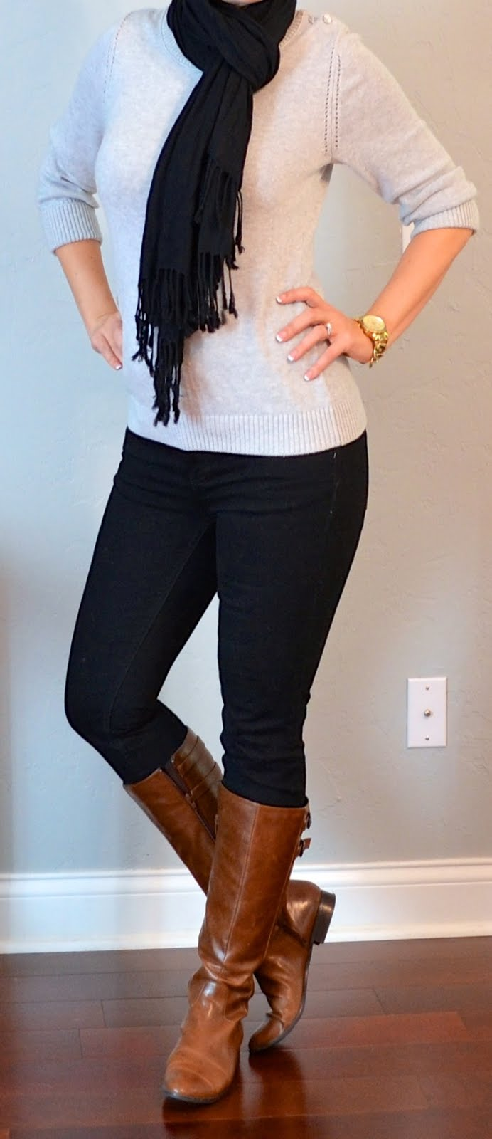 Outfit post grey sweater black skinny jeans black scarf brown boots