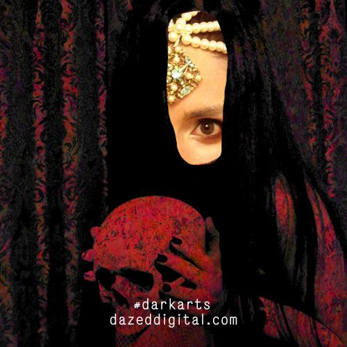 1383076236-girl-horror20131029-8-179oscs