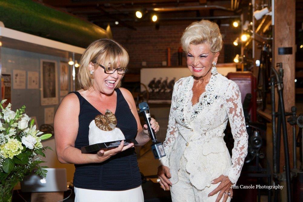 Dawn-Yolanda -Award (3)