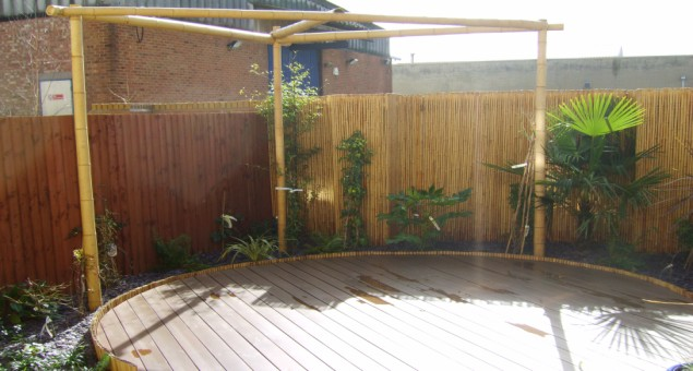 The bamboo screening also had the effect of screening the commercial buildings to the rear from view.