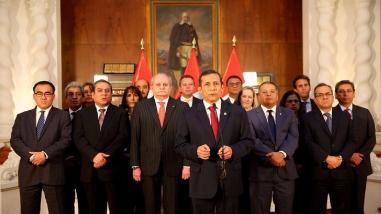 Resumen: Humala: TPP abre varias oportunidades de diversificación productiva al Perú, Alan García: He aceptado ser precandidato del Partido Aprista y ¿Por qué es importante la Junta de Gobernadores del BM y FMI para el Perú?