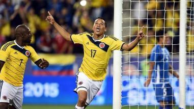 Perú vs. Colombia: Carlos Bacca criticó juego brusco de La Blanquirroja