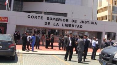 Trujillo: dictan orden de captura para jueza que cobró coima a litigante