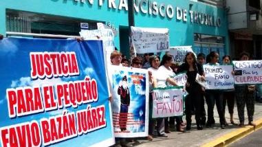 Trujillo: hacen plantón frente a clínica por presunta negligencia