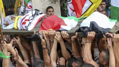 Miles asisten al funeral del menor palestino muerto por Israel en Belén