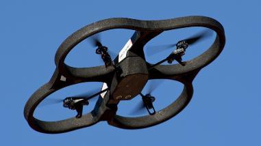 California pone límite al uso de drones por parte de los paparazzi