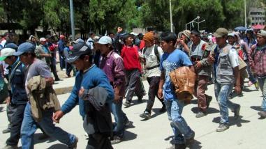 Acatan segundo día de paro en respaldo a pobladores de Cotabambas