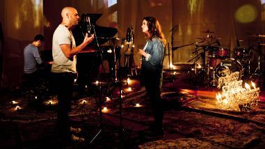 Gian Marco presenta videoclip junto a su hija