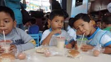 Adelantan entrega de desayunos escolares por lluvias del FEN