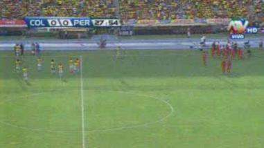 Perú vs. Colombia: jugadores se hidrataron sobre la mitad del primer tiempo