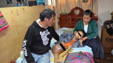 Padres de niño que padece cáncer hicieron desesperado pedido de ayuda