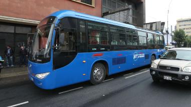 Cinco heridos deja choque de bus del Corredor Azul y furgoneta