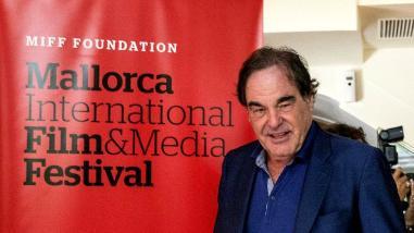 Oliver Stone dice que José María Aznar fue perro faldero de Bush