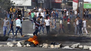 Gaza: 6 palestinos muertos y más de 80 heridos en choques con israelíes