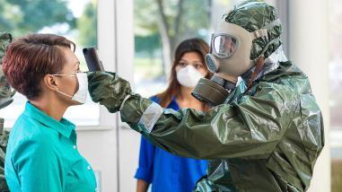 Aíslan nuevamente a la enfermera británica que contrajo ébola en diciembre
