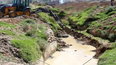 Matucana: realizan trabajos de descolmatación del río Rímac