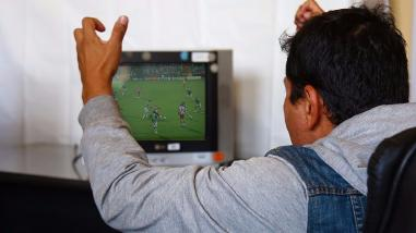Minsa: especialista afirma que ver fútbol acompañado genera estrés positivo