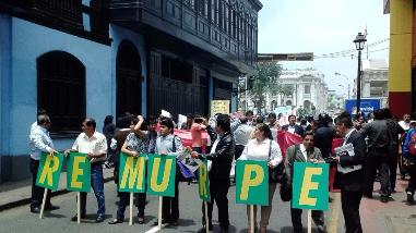 Alcaldes de la REMURPE se movilizaron contra recorte presupuestal