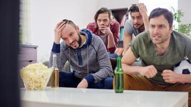 Ver fútbol en compañía genera estrés positivo