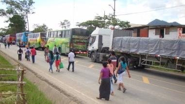 Moyobamba: bloquean vía Belaúnde Terry durante paro contra delincuencia