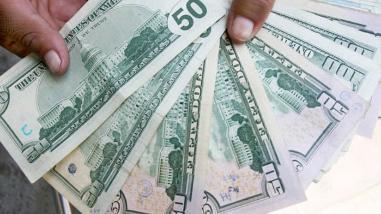El dólar inició la jornada de hoy martes subiendo a S/.3.234