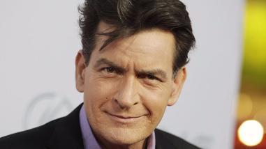 Charlie Sheen: expulsan a actor de un bar