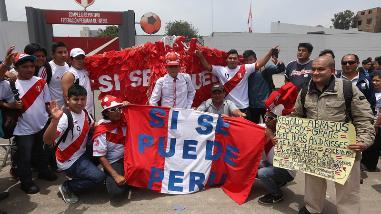 Perú vs. Chile: hinchas alientan con todo a la 'Bicolor' en la Videna