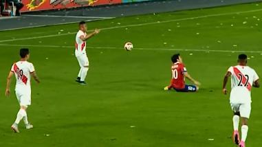 Perú vs. Chile: Christian Cueva y la polémica tarjeta roja que se ganó