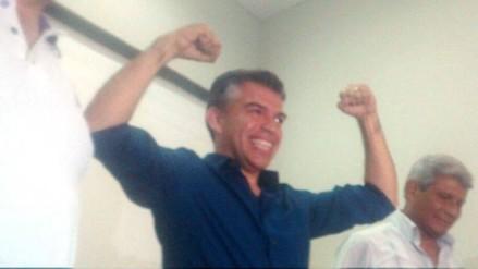 Julio Guzmán ofrece contrarrestar corrupción y delincuencia