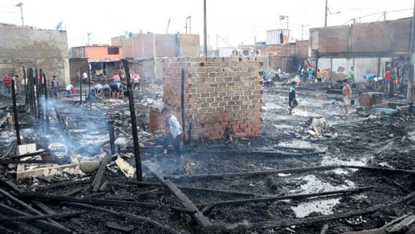 Callao: incendio consume varias viviendas en AA.HH. Puerto Nuevo