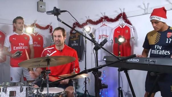 Estrellas del Arsenal lanzaron video por Navidad tocando canción festiva