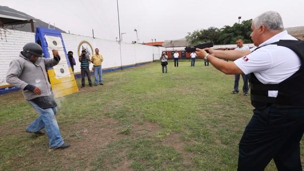Armas no letales: serenos de Lima usarán pistolas de gas irritante