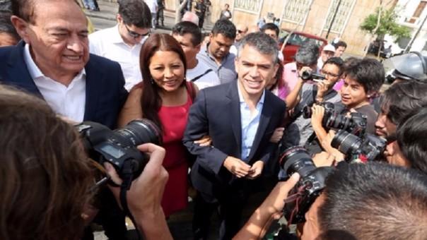 Guzmán convoca a vigilia en JNE donde llegará con su