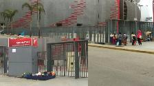 WhatsApp: captan supuestos revendedores en los exteriores del Estadio Nacional
