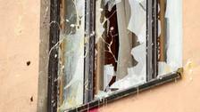 Rusia: manifestantes tiraron piedras y huevos a embajada de Turquía