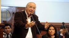 García Belaunde a Toledo: Que su partido se preocupe de pasar la valla