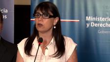 YouTube: ministra chilena vivió un incómodo momento por culpa de una polilla